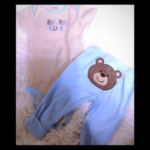 Baby size 9 months CARTER'S two-piece outfit
